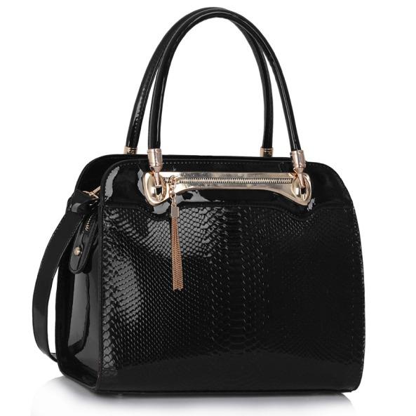 čierne lakované kabelky